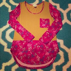Boutique top size small